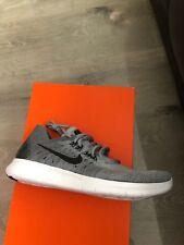 Nike RN Flyknit 2017 Zapatillas para hombre Free UK 9 Nuevo Y En Caja Gris Genuino Genuino