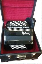 Accordéon Myfirst Chromatique 2 voix MD, 37 notes et 60 basses. By Maugein