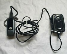 Motorola Wireless Bluetooth Earphone Over Ear Handsfree Earpiece & oem charger