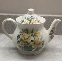 Vintage SADLER Floral Pattern Yellow Daffodil Flowers Windsor England Teapot