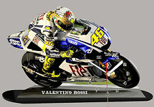 MINIATUR MODELL MOTORRAD in der Uhr, VALENTINO ROSSI, YAMAHA -01