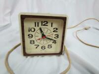 Vintage GE General Electric Electric Alarm Clock 7413-4A Lighted Dial Works!!
