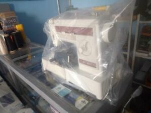 sewing machine Used good