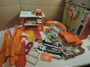 VINTAGE 1969 MATTEL HOT WHEELS TUNE UP TOWER 1969 STOCK #6481