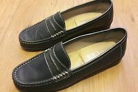 PAVERS Ladies comfortable  loafers . Navy blue , size 6