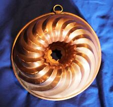 Antique American Bundt Cake or Jelly Mold by Samarius (Shelton, Connecticut)
