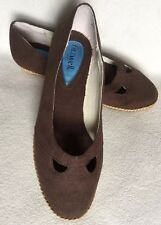 New Fitzwell Brown Fabric Low Wedge Espadrille Style Flats sz 7 WW