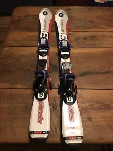 Beginner//Intermediate Women/'s Skis with Bindings Dynastar Outland 142 cm