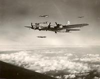 WW2 WWII Photo USAAF B-17 Flying Fortress Bombers 447th BG  World War Two / 5421