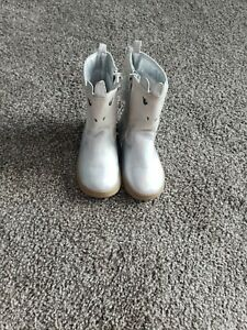 Pre-owned Carters Unicorn Boots Size 7 Toddler