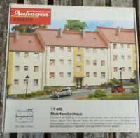 Auhagen 11402 H0 DDR Mehrfamilienhaus 1950er Jahre neuwertig in OVP, Bausatz