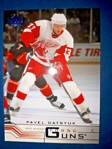 2001-02 Upper Deck Young Guns Pavel Datsyuk #422 Rookie Detroit Red Wings