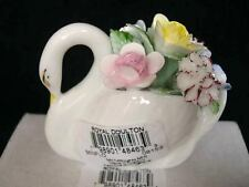 ROYAL DOULTON SWAN TRINKET HAND MADE AND PAINTED IN STOKE ON TRENT UK