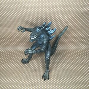 1998 Godzilla Action Figure Trendmasters, Inc. Toho Co. Ltd 12 in tall FLAWED