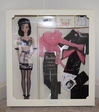2002 Silkstone Barbie Fashion Model Collection Brunette A Model Life Gift Set