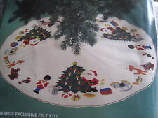 "Christmas Leewards Felt Applique Holiday TREE SKIRT Kit,NUTCRACKER,Large 45"""