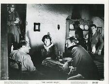 STANLEY BAKER ELISABETH MULLER THE ANGRY HILLS  1959 VINTAGE PHOTO N°7