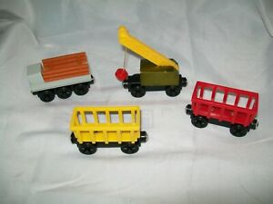THOMAS & FRIENDS WOODEN RAILWAYS CIRCUS CARTS & MORE LOT