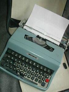 Vtg 60s Olivetti Lettera 32 Typewriter Cursive script font Italy Case Works!