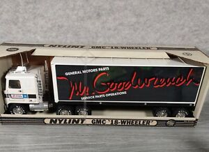 Vintage Nylint GMC Mr. Goodwrench 18-Wheeler Tractor Trailer Semi Truck - New