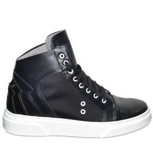 Sneakers uomo alta in vera pelle con fortino metallico argento e passanti bianch