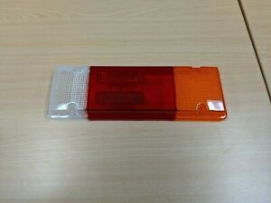GENUINE TOYOTA HILUX REAR COMBINATION LAMP RIGHT HAND FOR TRAY BODY JULY 2015>