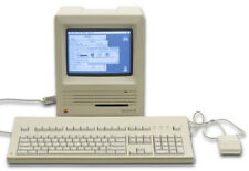 Vtg Apple Macintosh SE M5010 Working Computer with Mouse powers on fine