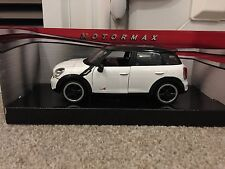 Mini Countryman Cooper S white Detailed Diecast model car Motormax 1/24