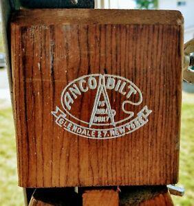 Vintage Anco Bilt Wooden Artist Paint Easel.
