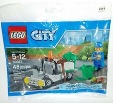 LEGO CITY Mini Set 30313 polybag Garbage Truck Trash Can Garbage Man Minifigure
