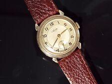 Da Uomo Vintage Anni 1940 Avia 9ct Oro A Mano Ferita meccanico orologio sul cinturino.