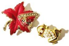lot paire de petites broches couleur or et strass fleur grenouille *3414