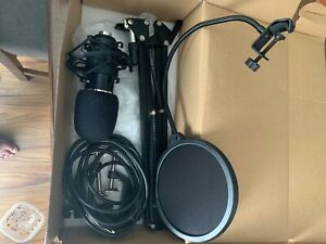 neewer nw-700 condenser microphone kit, Adjustable stand, Light weight Design,