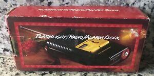 Vintage Portable FM/AM Radio Emergency Alarm Clock Flashlight US 3 In 1