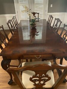 Henredon Dining Room Furniture - Table And 8 Chairs - Table Pad And Extra Leaf