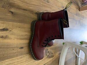dr martens size 4 boots