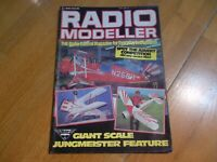 RADIO MODELLER MAG MAY 82 GIANT SCALE JUNGMEISTER FEATURE HELIPAD KYOSHO BUZZARD