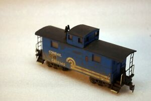 HO Scale Roundhouse Northeastern Caboose (Conrail)