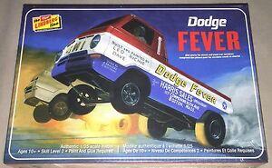 Lindberg Dodge Fever Wheelstander 1:25 scale model car kit 135