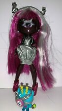 MGA Novi Stars Doll Cyclopes Girl Pink Purple Sparkle + Accessories