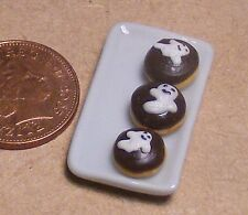 1:12 Ceramic Plate Of 3 Ghost Cakes Dolls House Miniature Food Accessory  PL34