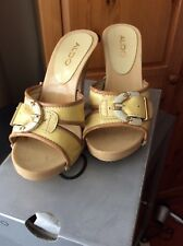 Woman's Sandles High Heels Buckle Front Yellow/brown Aldo Size 37