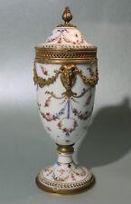 Sevres Louis Seize Porzellan Potpourri Vase 1762 Ormolu Deckelpokal Porcelaine