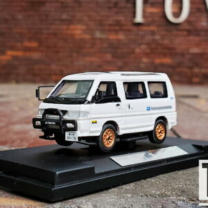 1/64 Scale Mitsubishi DELICA L300 White Car Model Resin Collection Toy Gift