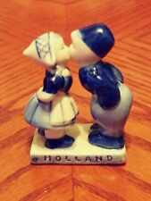 Holland 761 Hand Painted Blue Porcelain Figurine Dutch Girl & Boy Kissing 2 3/4""