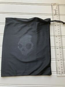 skullcandy black drawstring Headphone bag