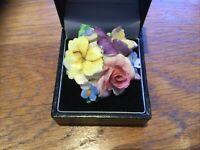 Vintage Coalbrook Porcelain flower Brooch On GOLD TONE METAL