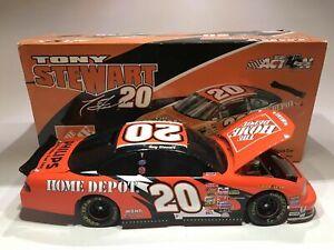 Tony Stewart 2002 #20 Home Depot bw Bank 1:24 Action