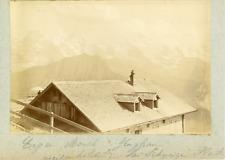 Suisse, Alpes bernoises, Vieil hôtel devant Eiger, Mönch et Jungfrau, ca.1900, v