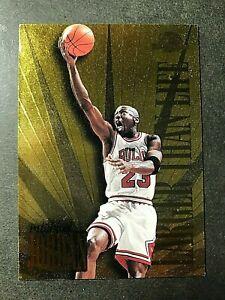 1995-96 SkyBox Premium Larger Than Life #L1 Michael Jordan